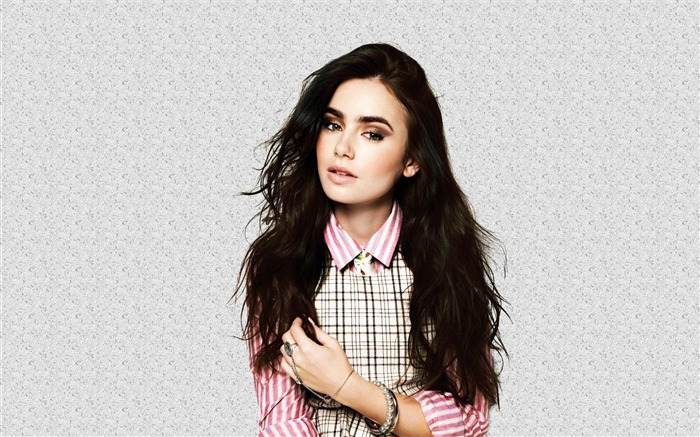 Lily Collins beauty photo HD wallpaper 09 Views:5681 Date:9/15/2013 12:56:17 PM