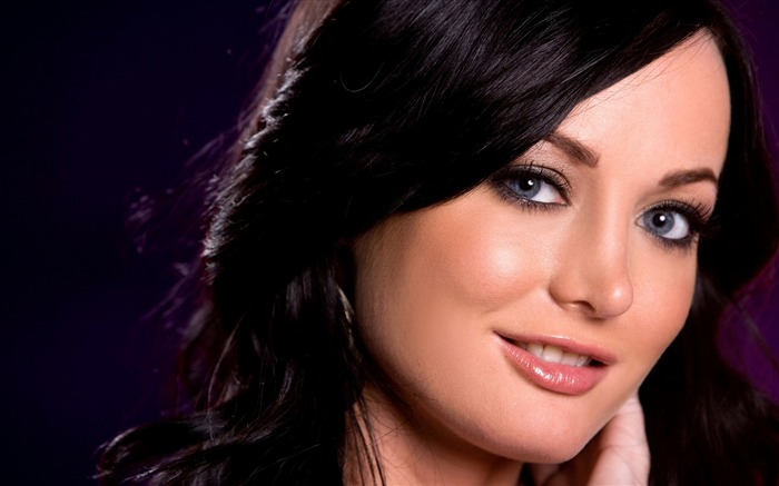 girl eyes smile-Beauty photo HD wallpaper Views:4599 Date:9/30/2013 11:39:51 AM