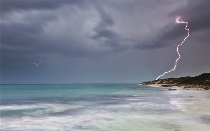 lightning-ocean Landscape wallpaper Views:3782