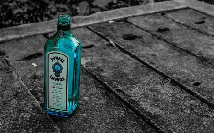 random bottle on the street-Photography Life HD Wallpaper Views:4316