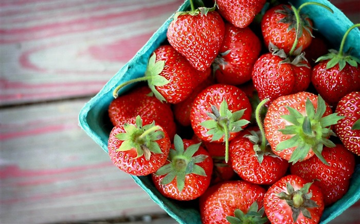 strawberry food plate-Food HD Wallpaper Views:2961