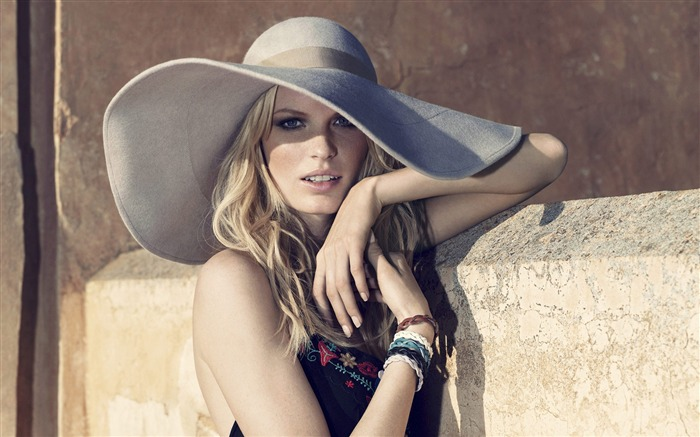 Caroline Winberg beauty girl photo wallpaper Views:8943
