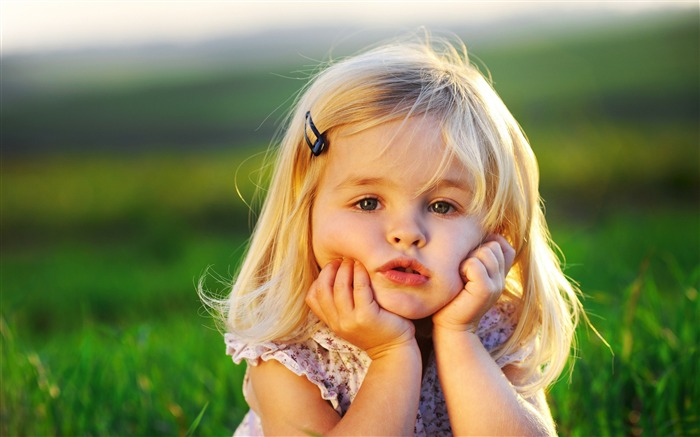 Happy childhood cute photo HD wallpaper Views:12064