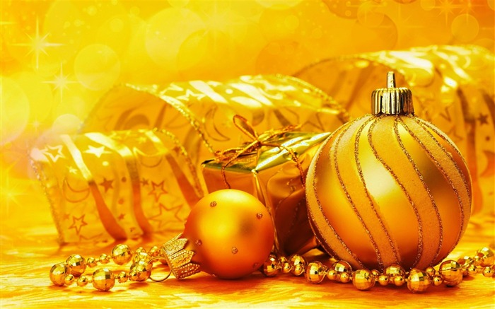 Beautiful Christmas decorative items desktop wallpaper Views:10979