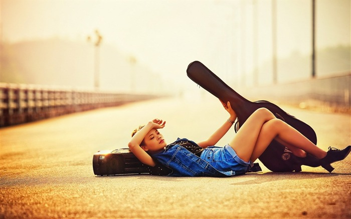 girl guitar fashion-Music HD Wallpaper Views:3427