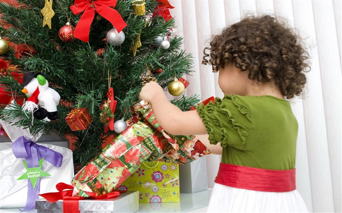Cute kids Merry Christmas Holiday Wallpaper 01 Views:3396
