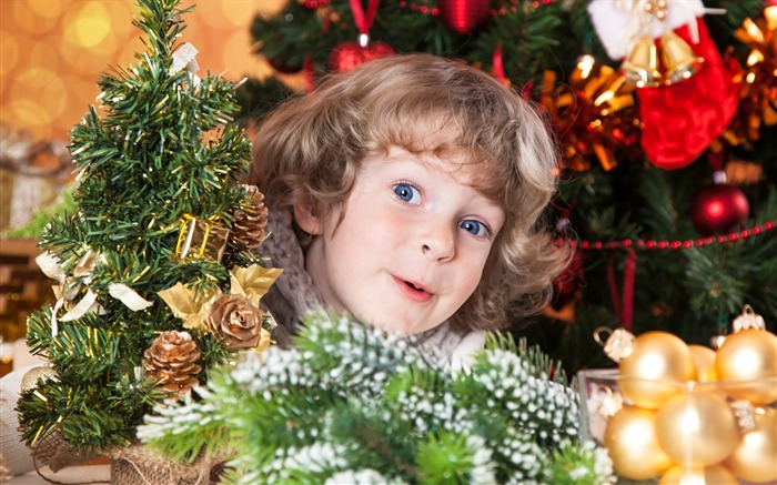 Cute kids Merry Christmas Holiday Wallpaper 05 Views:3462