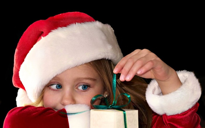 Cute kids Merry Christmas Holiday Wallpaper 08 Views:3656