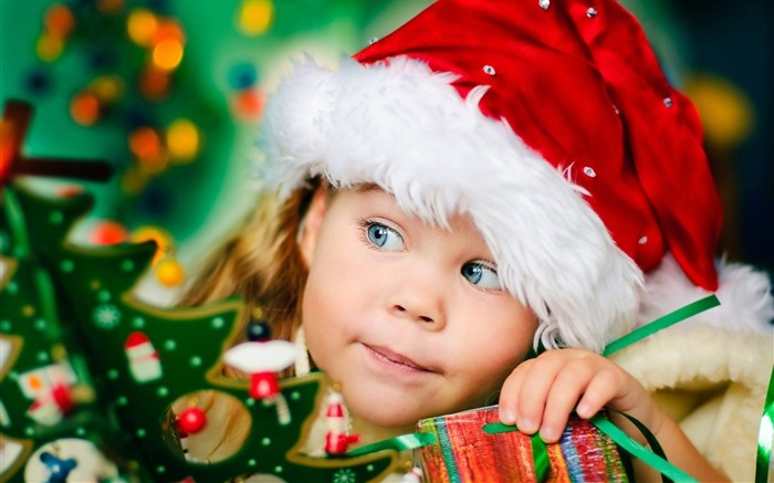 Cute kids Merry Christmas Holiday Wallpaper 09 Views:3238