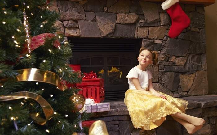 Cute kids Merry Christmas Holiday Wallpaper 11 Views:3459