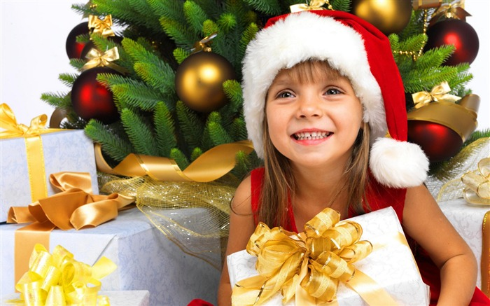 Cute kids Merry Christmas Holiday Wallpaper 16 Views:1998
