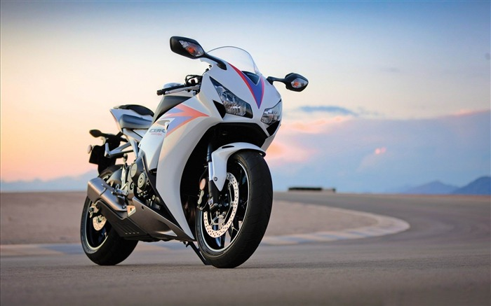 Super cool motorcycle HD Desktop Wallpaper Views:10997