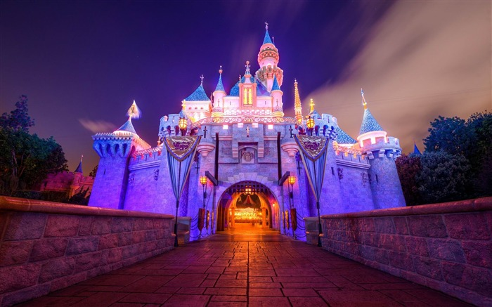 sleeping beauty castle disneyland-HD photography wallpaper Views:10935 Date:1/11/2014 10:56:58 PM