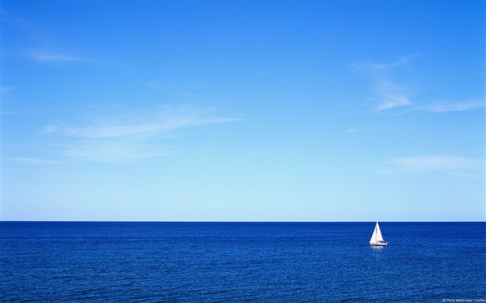 Blue ocean sailing-Windows Wallpaper Views:4953
