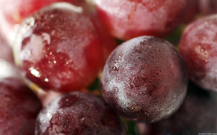 Fresh red grapes-Windows Wallpaper Views:2105