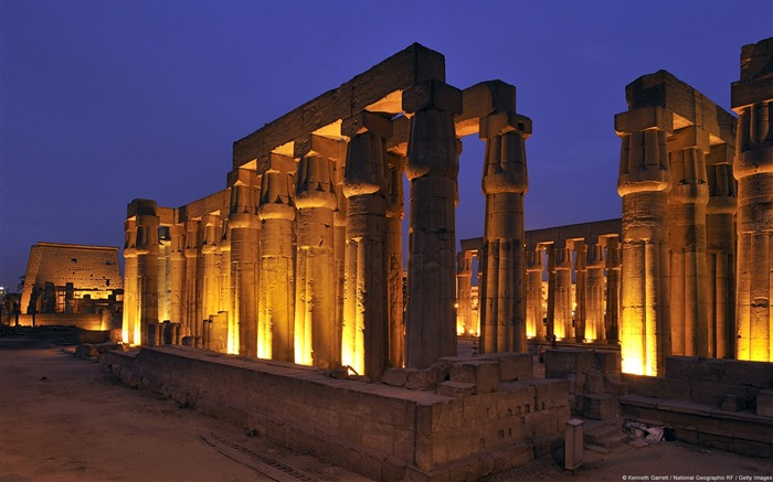 Luxor City Colonnade-Windows Wallpaper Views:3425