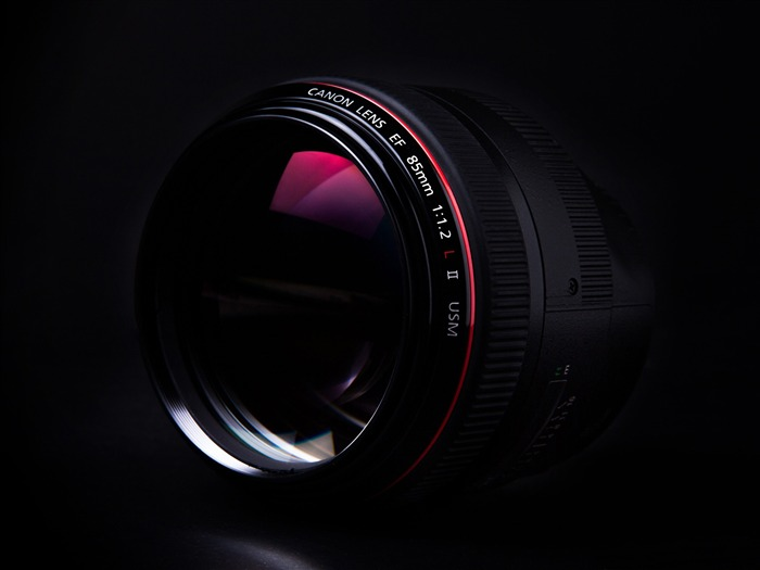 Canon 85mm-Brand Desktop Wallpaper Views:5964