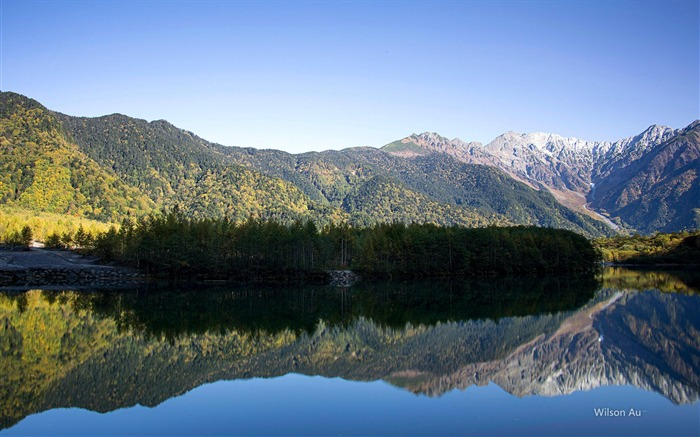Mountain reflection of the blue sky-Landscape HD Wallpaper Views:5170 Date:5/1/2014 8:05:03 AM