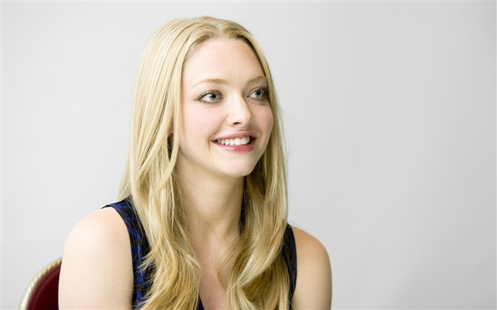 Amanda Seyfried sexy-photo HD wallpapers Views:3848