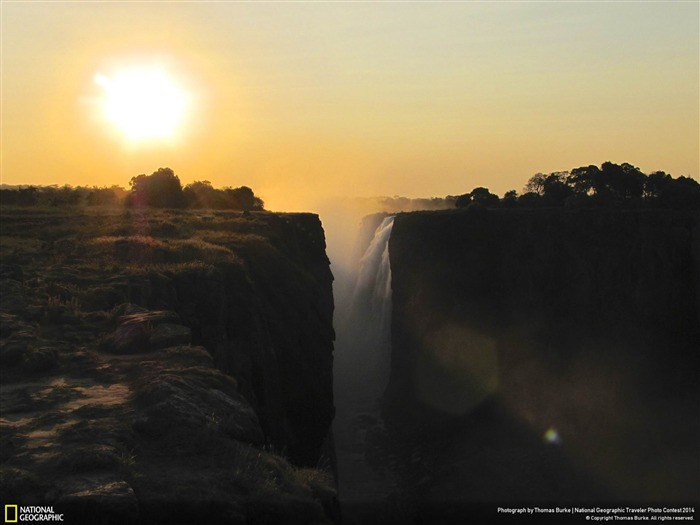 Sunset at Victoria Falls-National Geographic Wallpaper Views:3206