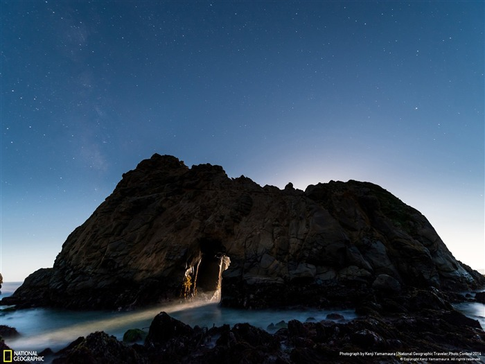 Moon Light-National Geographic Wallpaper Views:4534 Date:7/22/2014 8:45:10 AM