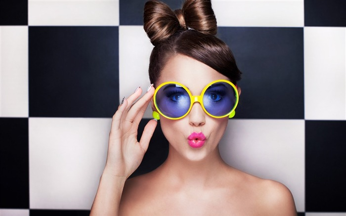 girl model glasses-Photo background wallpaper Views:5336 Date:7/16/2014 7:19:29 AM