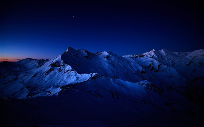 snowy mountain peaks-Nature HD Wallpaper Views:4812 Date:7/6/2014 1:53:14 AM