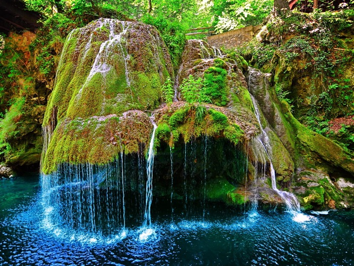 Mossy Waterfall-Nature Photo Wallpaper Views:4121