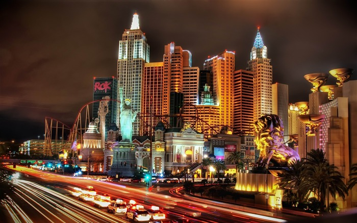 New York Hotel At Night-Cities HD Wallpapers Views:3454