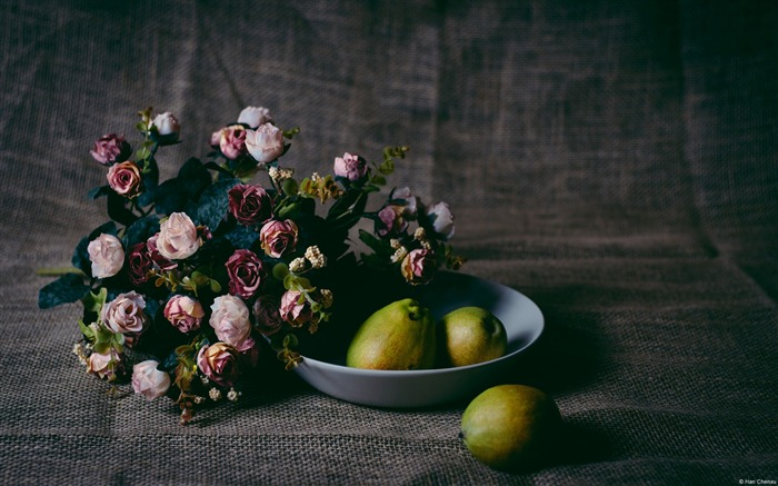 Still life of fruit and flowers-Windows HD Wallpaper Views:2653