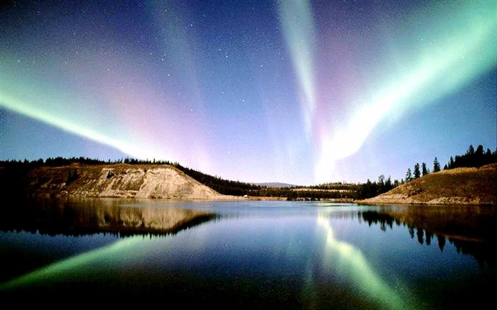 Northern Lights 2014-Nature HD Wallpaper Views:6708 Date:9/15/2014 7:51:02 AM