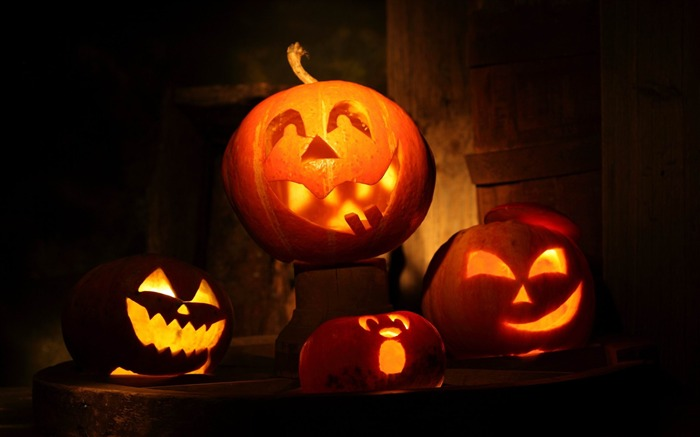 2014 Halloween pumpkins theme wallpaper Views:10632