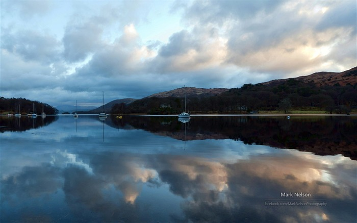 Reflection sailboat-Lakes landscape photography wallpaper Views:3110 Date:10/9/2014 7:40:51 PM