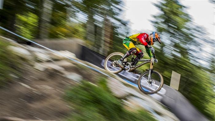 Extreme Mountain Biking Wallpaper: Extreme Mountain Biking Sports HD Wallpaper 02 Wallpapers
