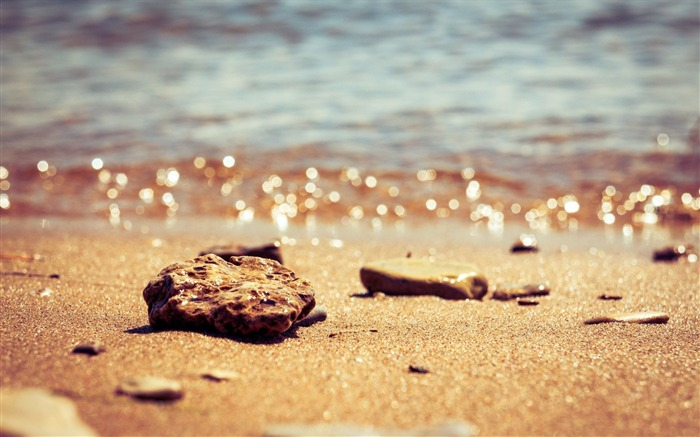 Beach Stones-HD Widescreen Wallpaper Views:2883
