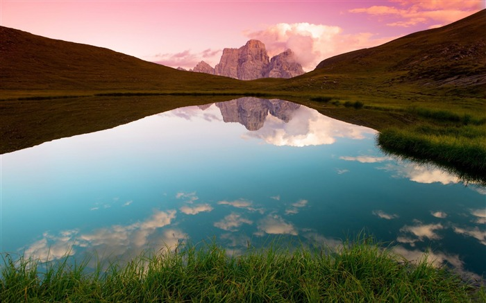 reflection rock lake-HD Widescreen Wallpaper Views:3000