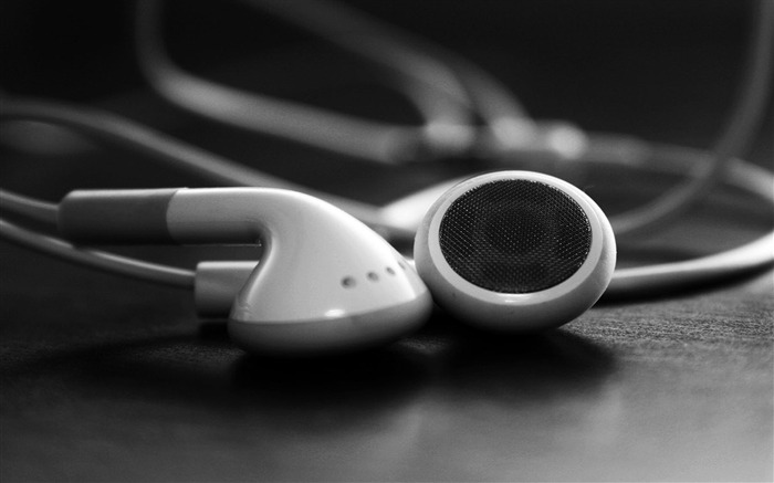 Apple earphones-Advertising HD Wallpaper Views:2751