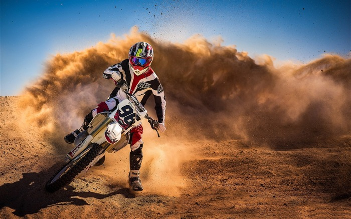 motorcycle race sand-High Quality HD Wallpaper Views:1619