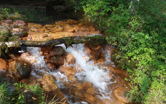 small waterfall rusty river-Photography HD wallpaper Views:2531