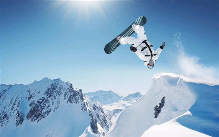 Amazing snowboarding extreme sports wallpaper Views:11060