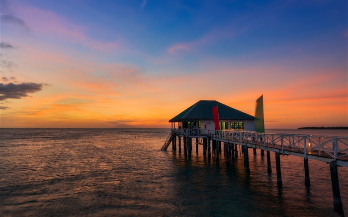 windy pier at sunset-HD Photo Wallpaper Views:2814