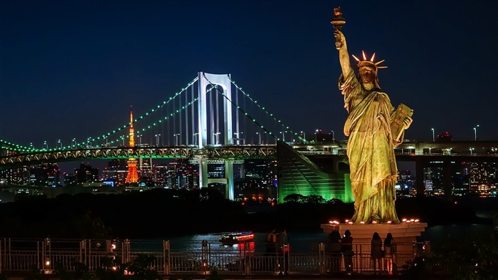 Statue Of Liberty At Night-Cities HD Wallpapers Views:1290