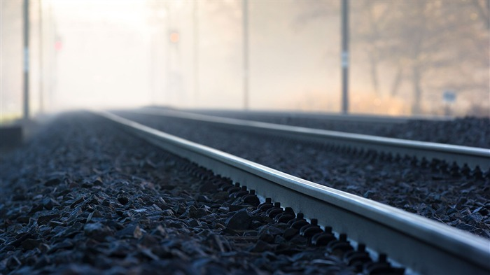 Fog tracks-iMac System Scenery HD Wallpaper Views:3799 Date:7/18/2015 1:09:48 AM