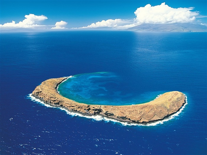 Molokini Crater-Nature Wallpaper Views:2154