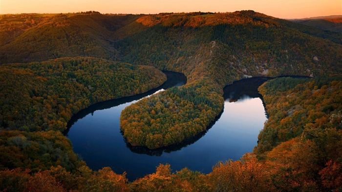 river sioule central france-Nature HD Wallpaper Views:914