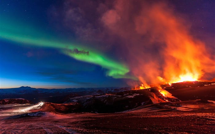 Aurora over the volcano-Photography Wallpaper Views:2092