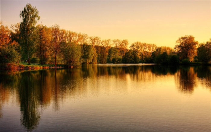 sunset over the lake autumn-HD Nature Wallpaper Views:1216