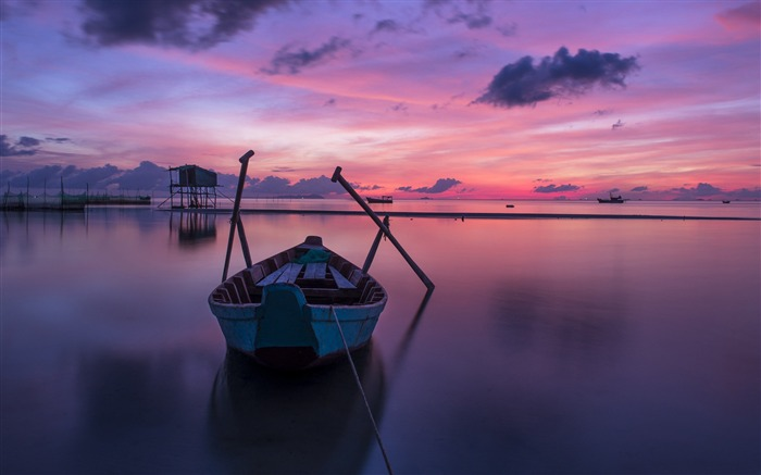 Purple boat at sunrise-Nature Photo HD Wallpaper Views:3104
