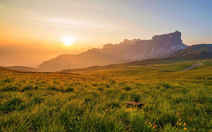 Sunrise grassland-Nature Photo HD Wallpaper Views:1659
