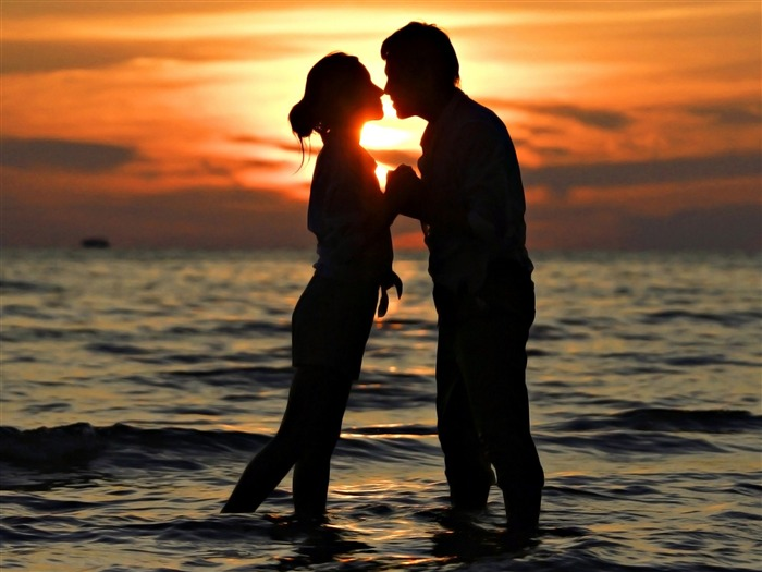 sunset love romantic couple-HD Desktop Wallpaper Views:1751